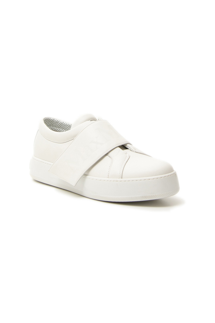 Sneakers in pelle semi lucida Intrend