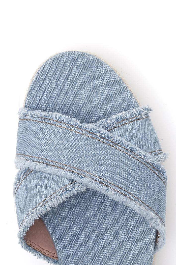 Sandalo in denim sfrangiato Intrend