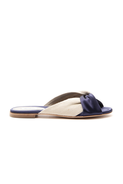 Crossed sandals Intrend