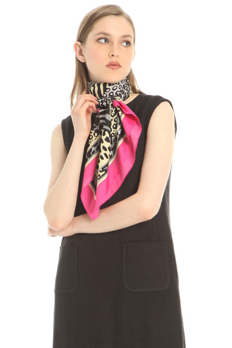 Foulard in tessuto stampato Intrend