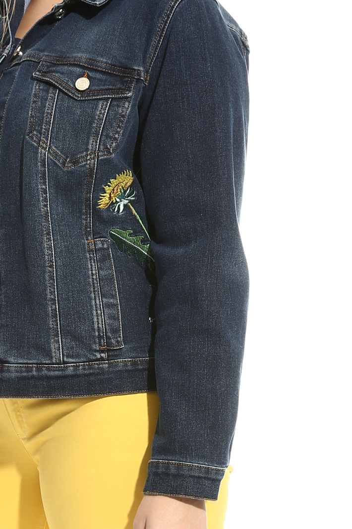 Embroidered denim jacket Intrend