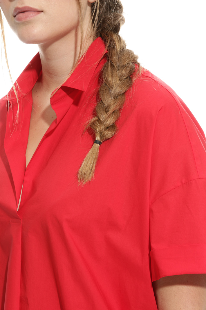 Blusa over in popeline Intrend