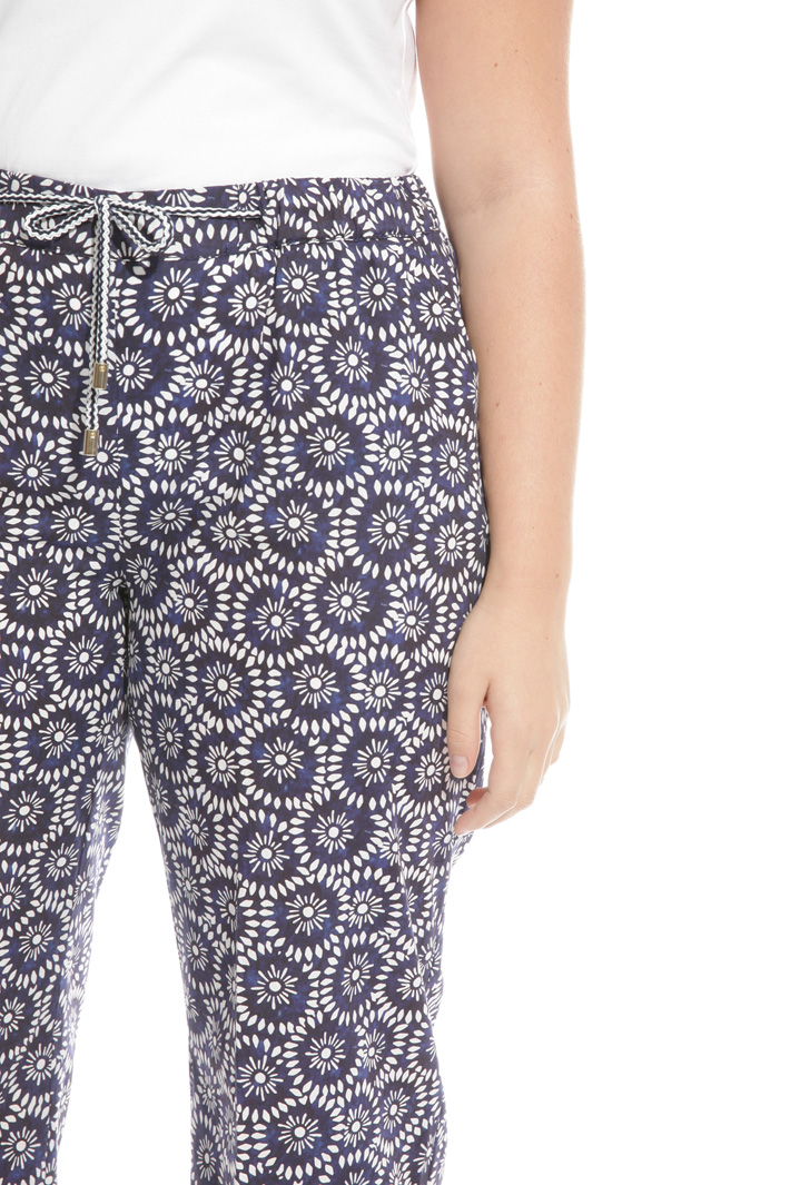 Pantaloni cropped in popeline Intrend