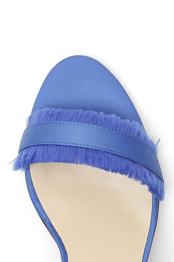 Sandalo in raso con frange Intrend