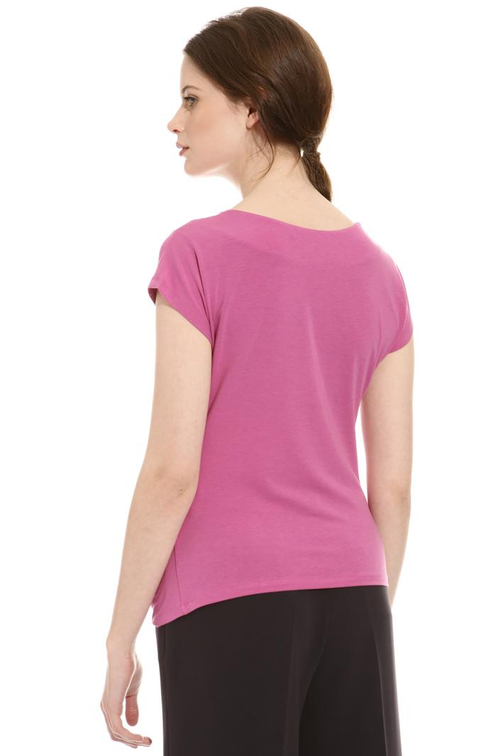 T-shirt con scollo morbido Intrend