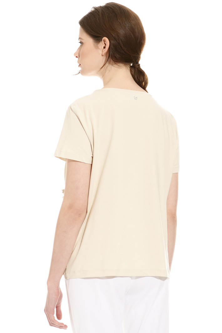 T-shirt con ricami in filo Intrend