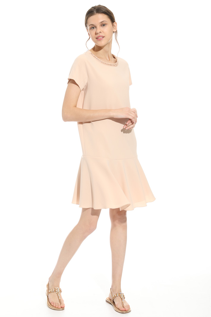 Embroidered neck dress Intrend