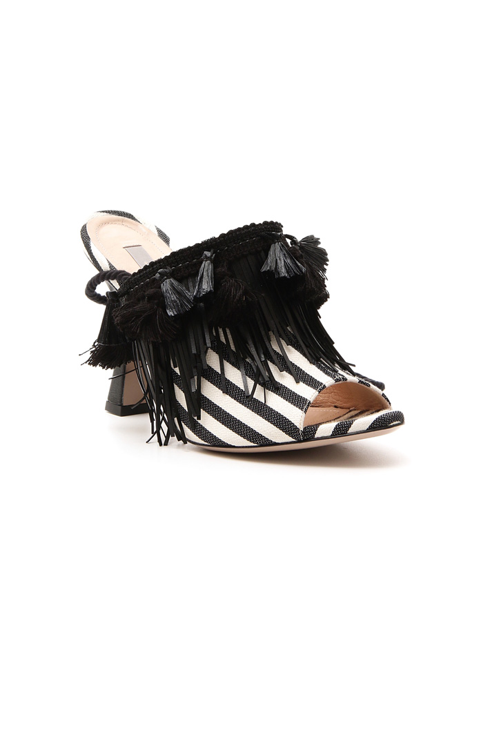 Sabot with fringe and tassels  Intrend