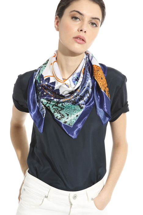 Printed viscose foulard Intrend