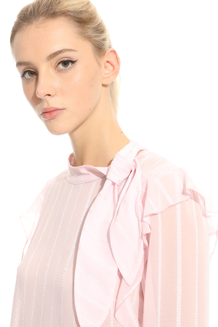 Blouse in crepe fabric Intrend