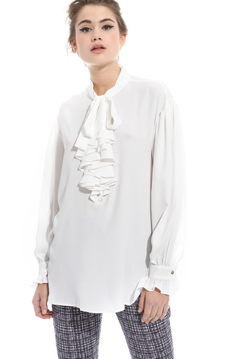 Blusa in seta con jabot Intrend