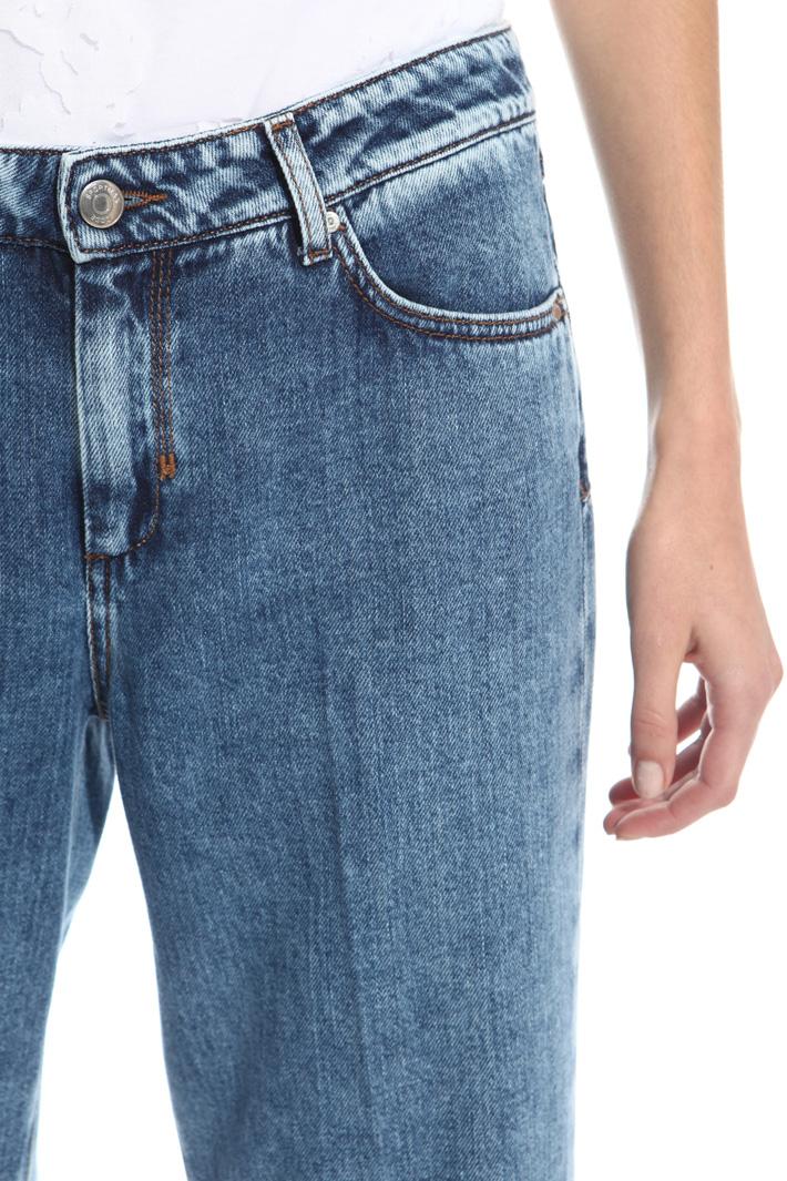Jeans con bande scure al fondo Intrend