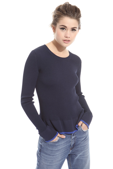 Flounced hem sweater Intrend