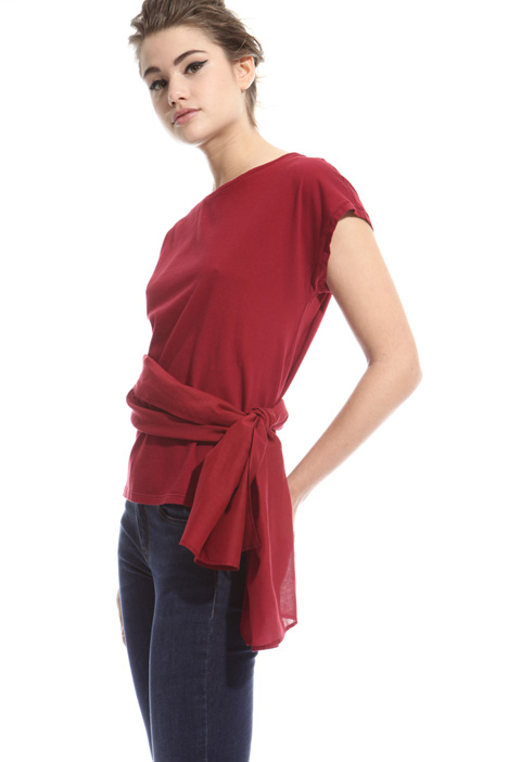 T-shirt with sash at the waist Intrend