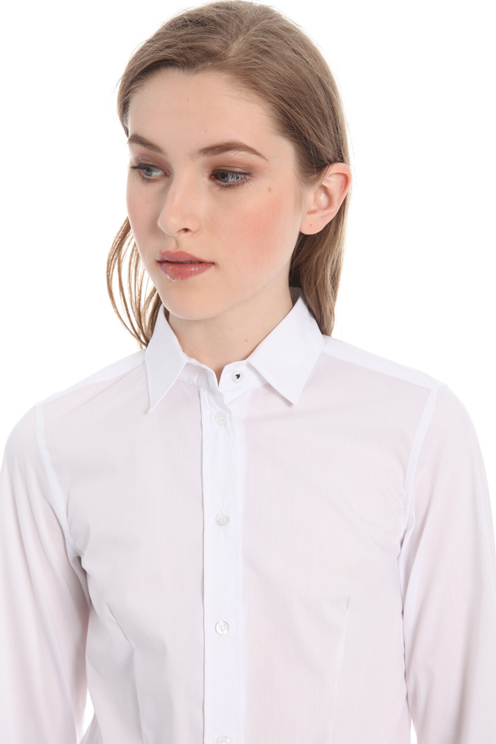 Close fitting cotton shirt Intrend