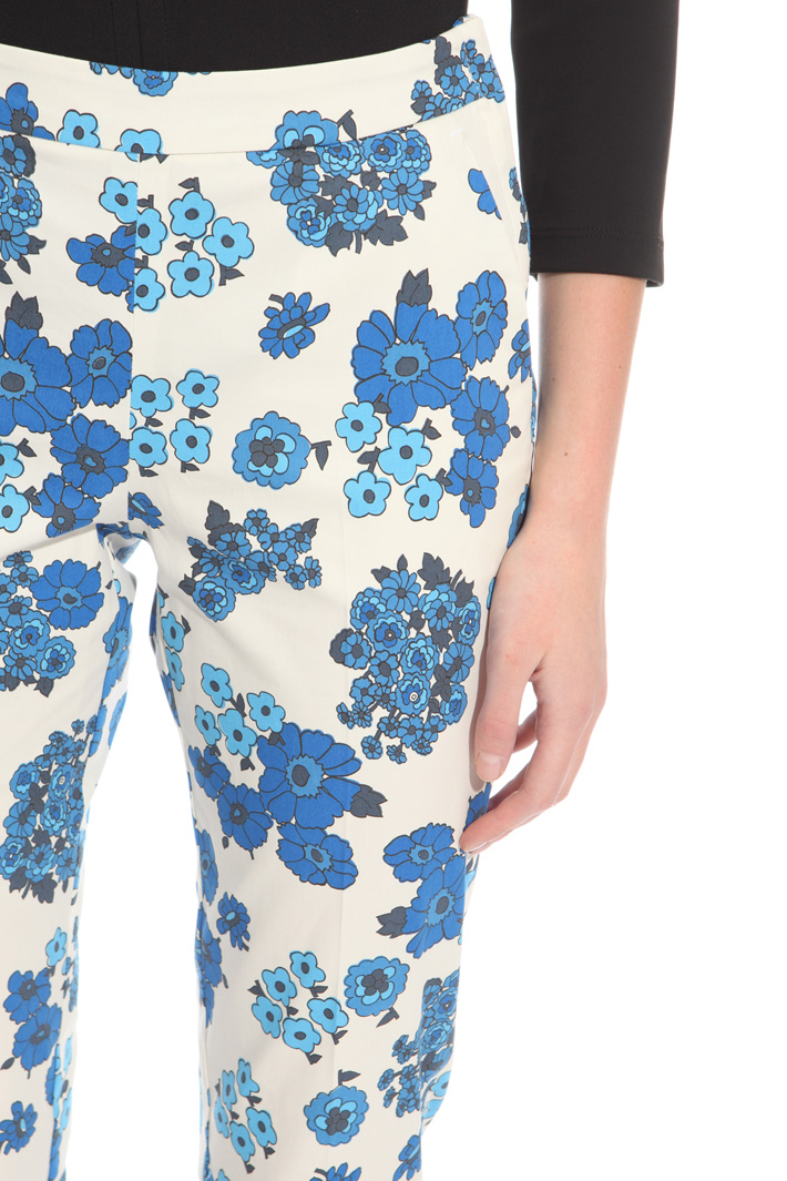 Pantalone Capri in gabardina Intrend