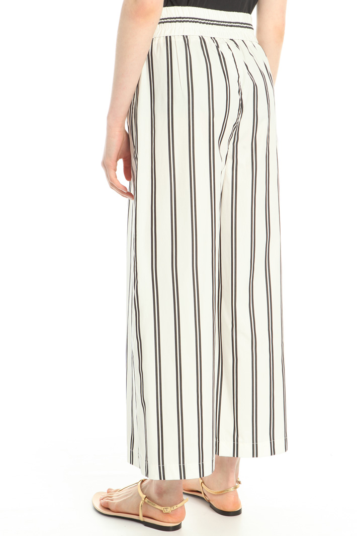 Wide poplin trousers Intrend