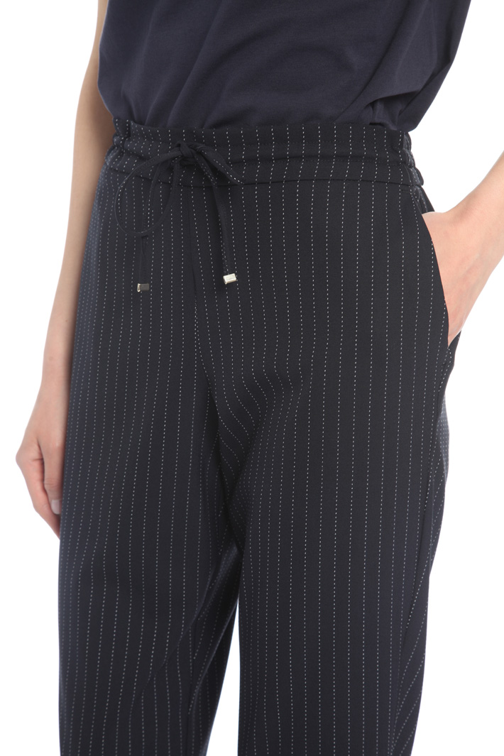 Pantalone gessato con coulisse Intrend