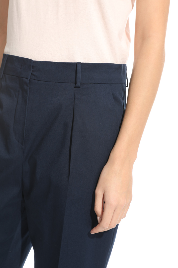Cropped trousers in gabardine  Intrend