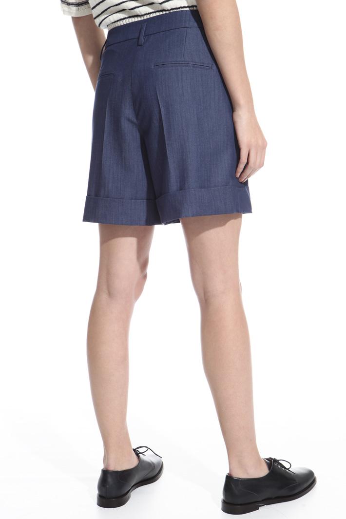 Stretch fabric shorts Intrend