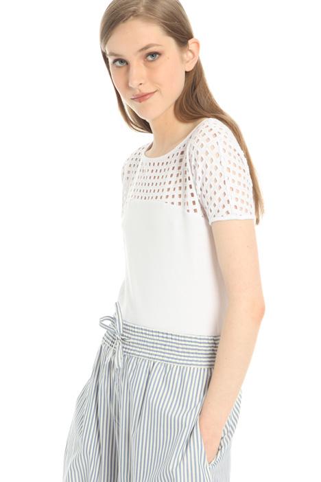 T-shirt con carré traforato Intrend