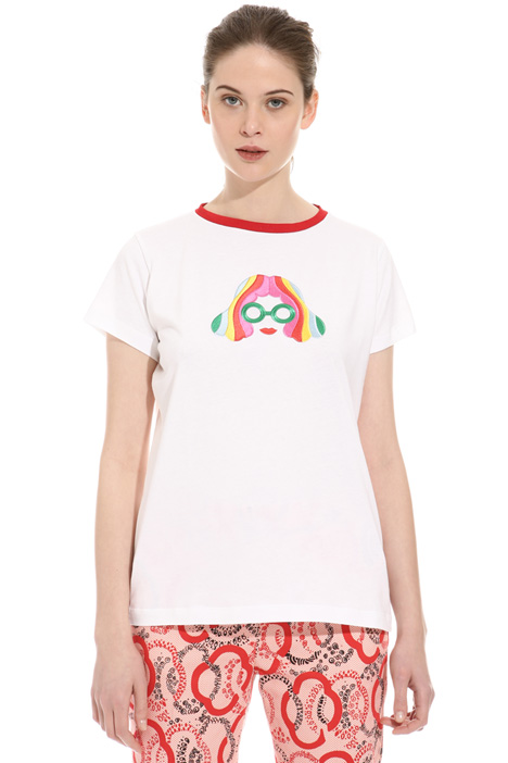 T-shirt con patch a decoro Intrend