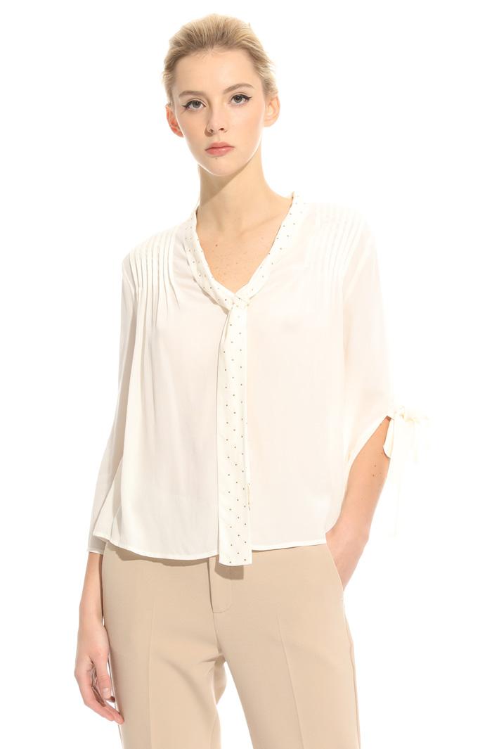 Fluid crepe blouse Intrend