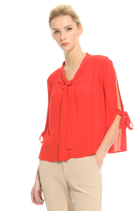 Fluid crepe blouse Intrend