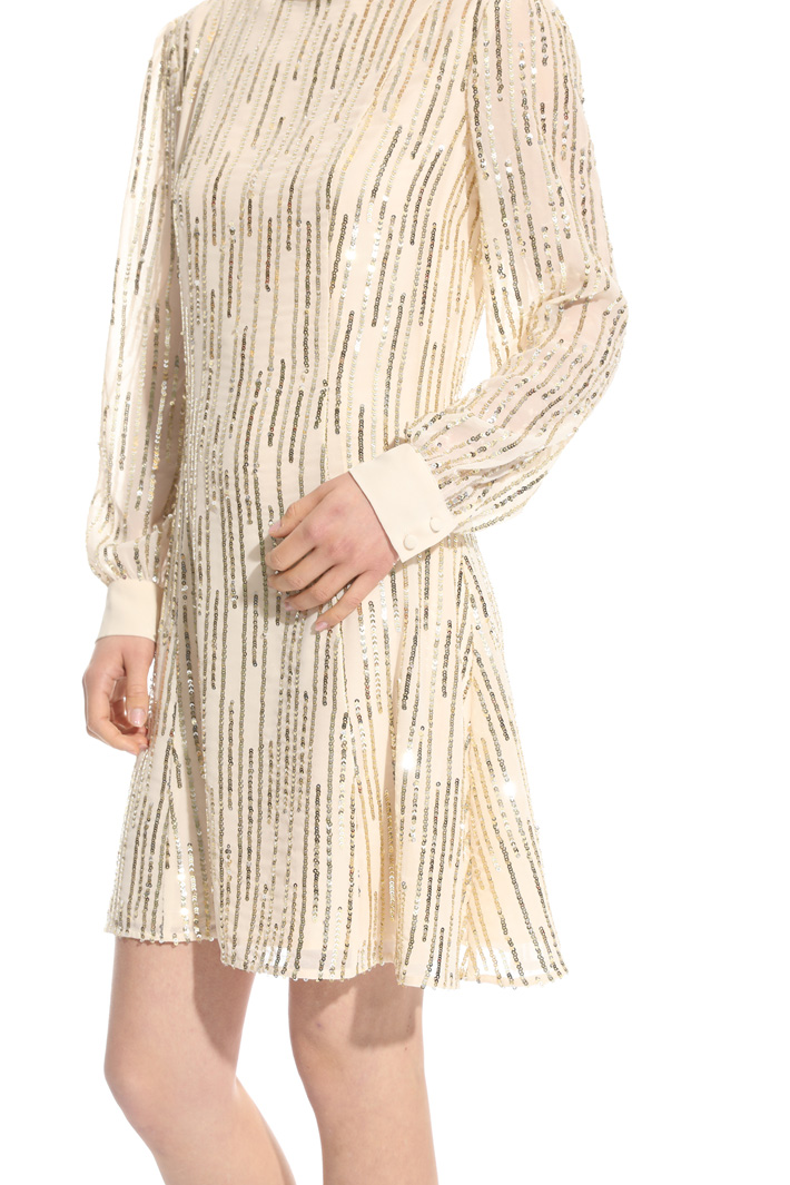 Embroidered sequin dress Intrend