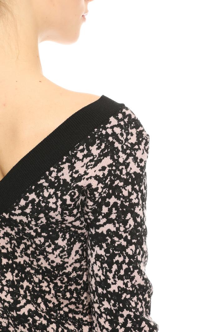 V-neck jacquard sweater Intrend