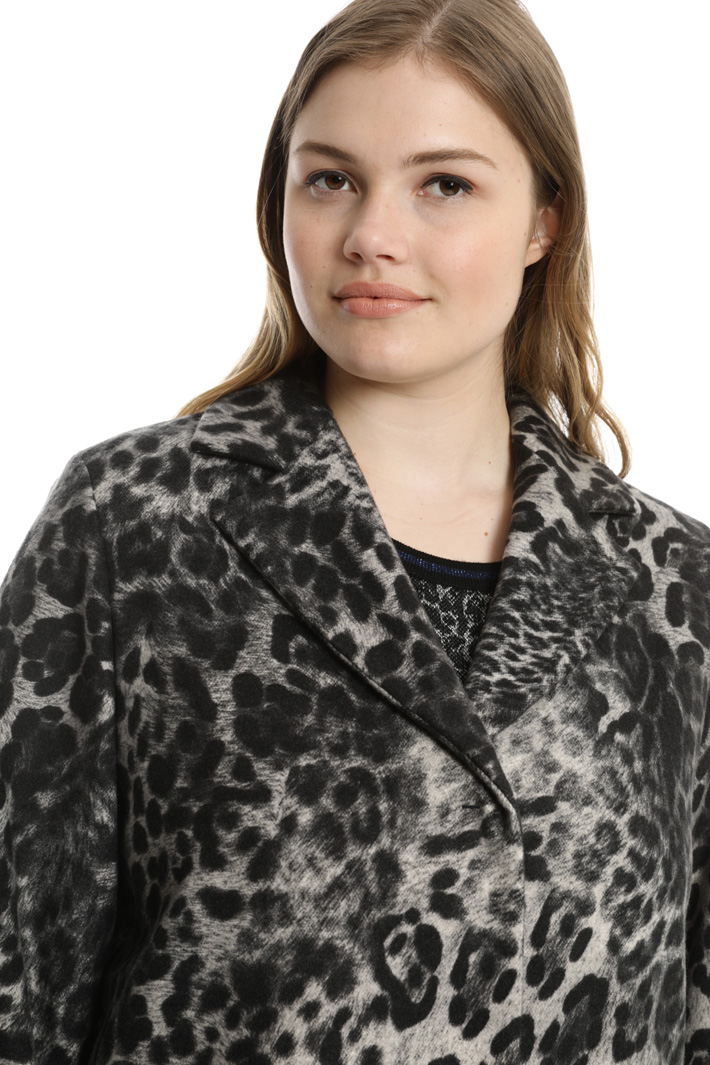 Animalier coat in felt fabric Intrend