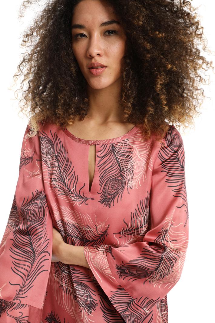 Viscose satin blouse Intrend