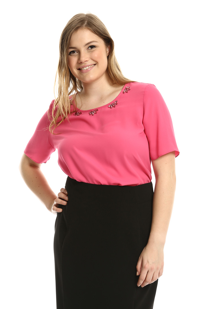 Top with jewel accents Intrend