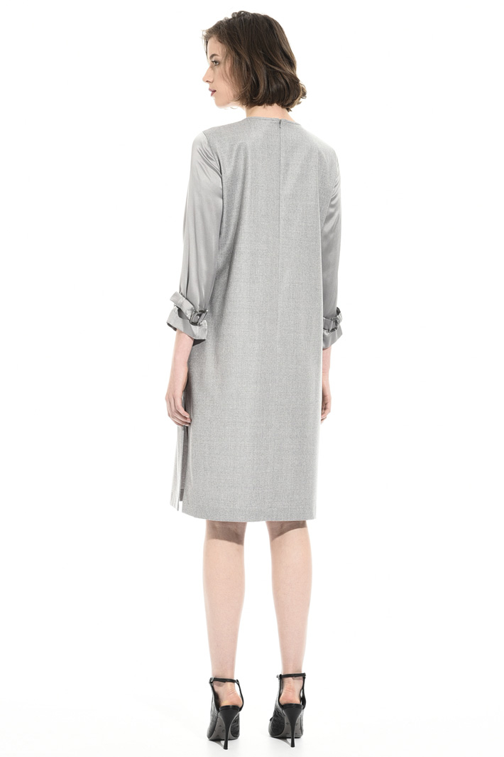 Dress with satin sleeves Intrend
