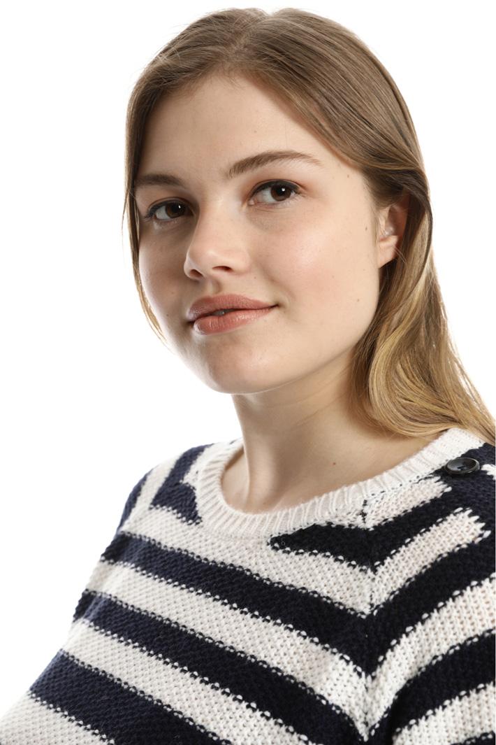 Striped wool sweater  Intrend