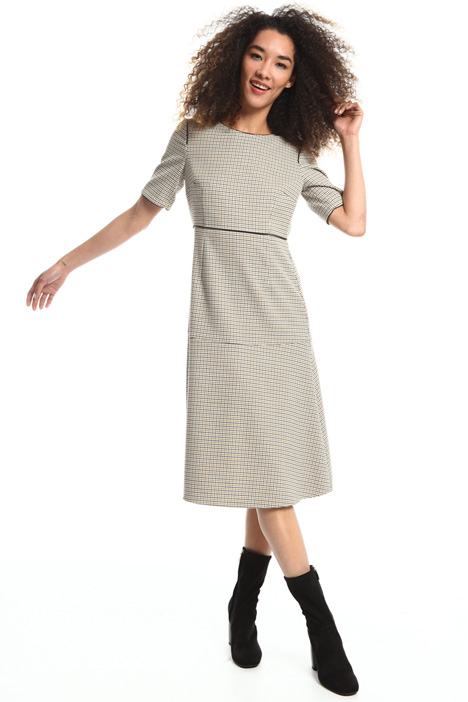 Knee-length viscose dress Intrend