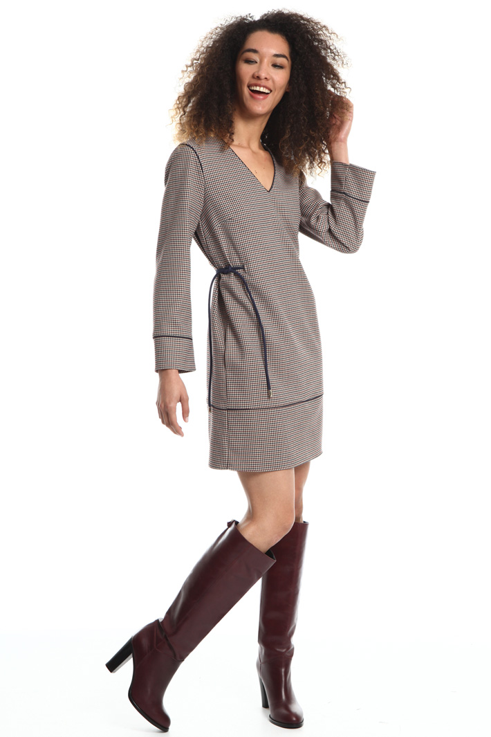 Short viscose dress Intrend