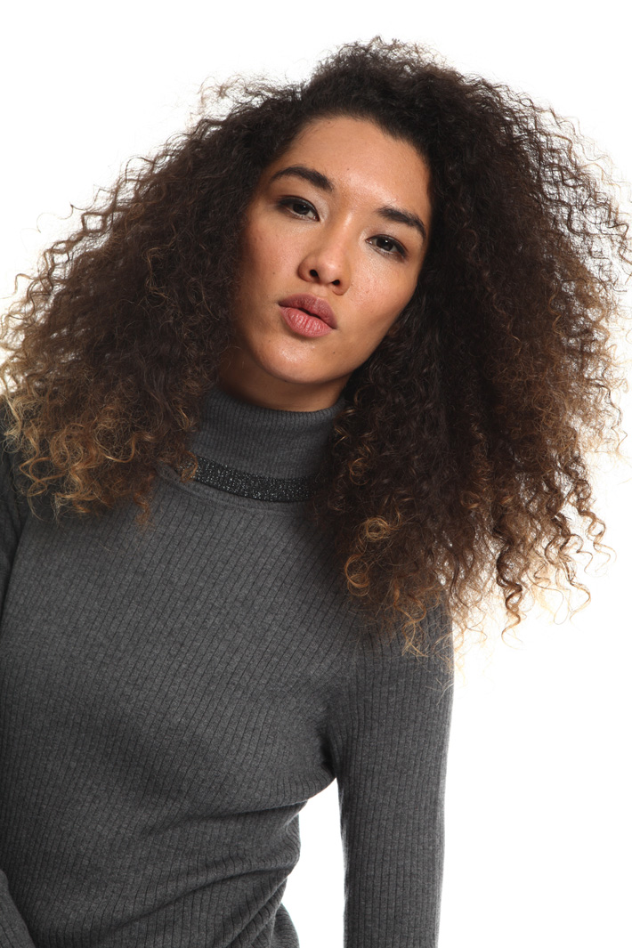 Ribbed turtleneck top Intrend