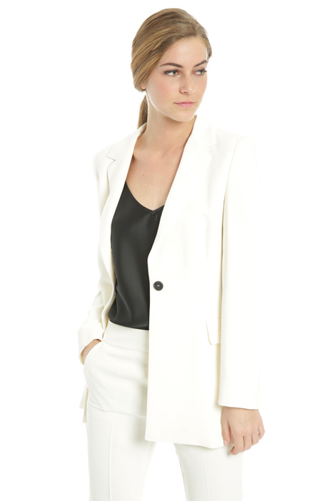 Blazer in crepe enver satin Intrend