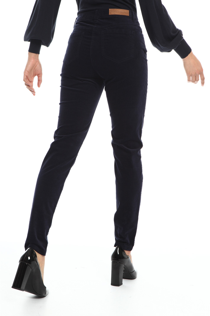 Fitted velvet trousers Intrend