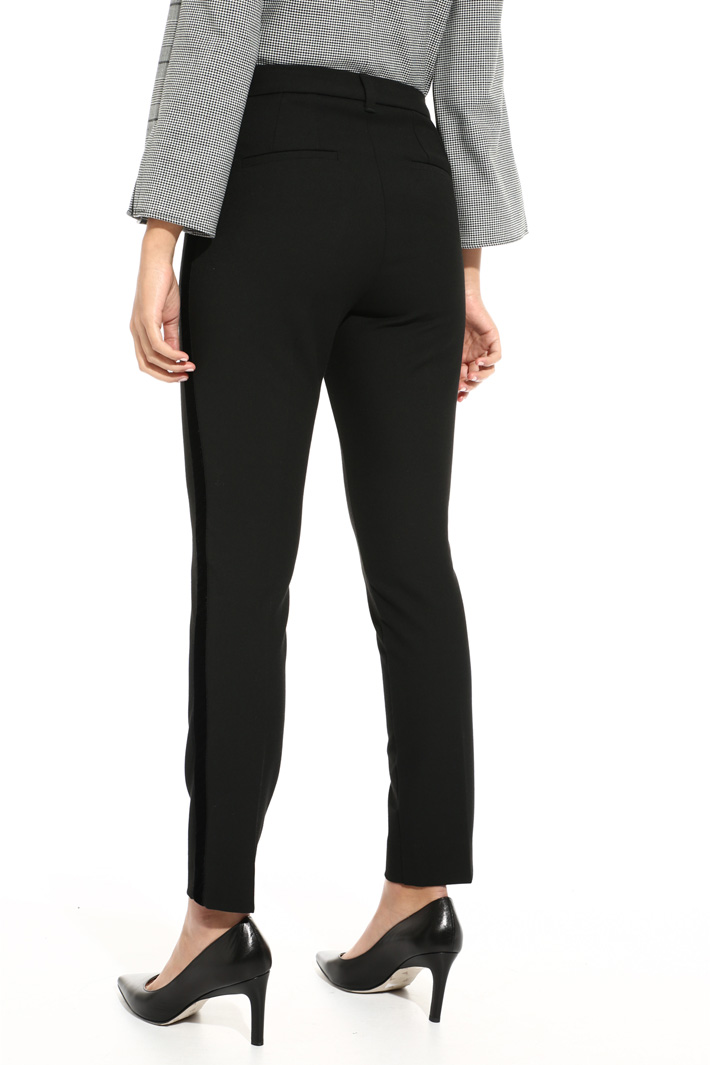 Trousers with velvet bands Intrend