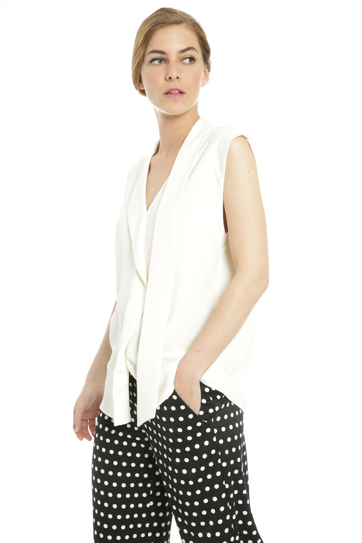 Sleeveless top Intrend
