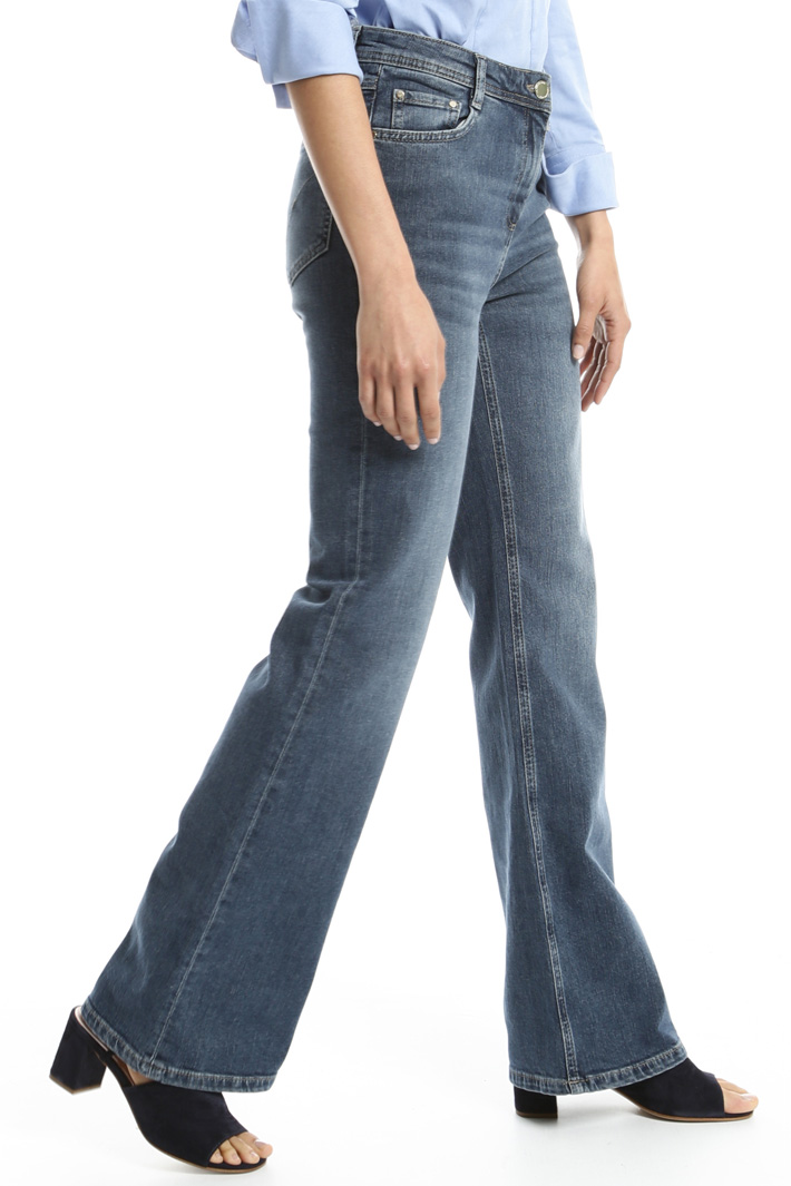 Fitted flare jeans Intrend