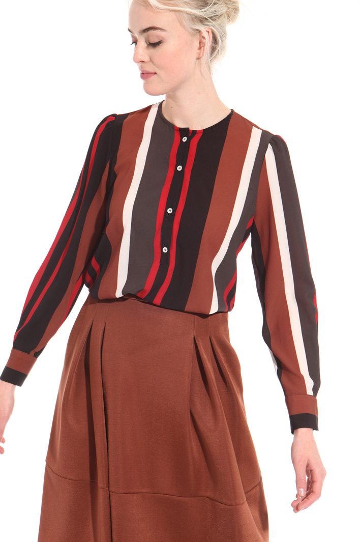 Blouse in striped crepe fabric Intrend
