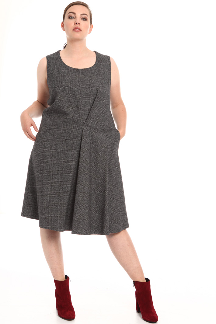 Centre pleat dress Intrend