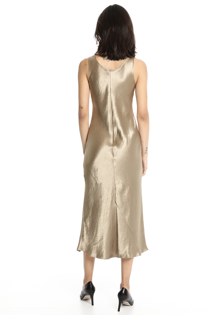 Compact satin dress Intrend