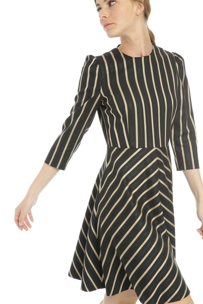Short corolla dress Intrend