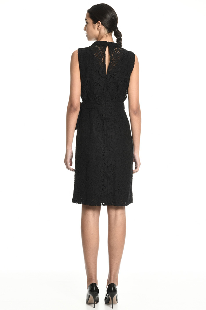 Rebrodé lace dress Intrend