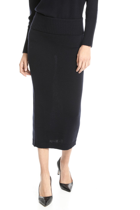 Knee-length skirt in wool Intrend