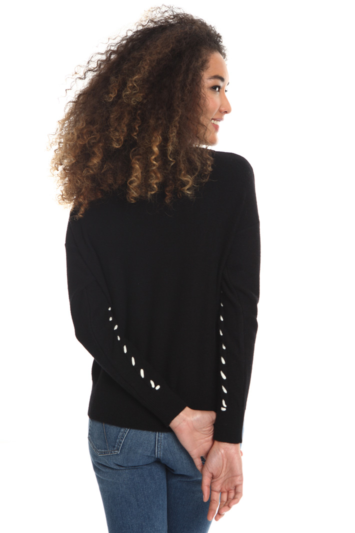 Contrasting yarn sweater Intrend